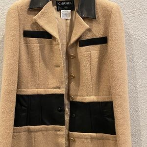 CHANEL LONG WHOOL AND LETHER JACKET